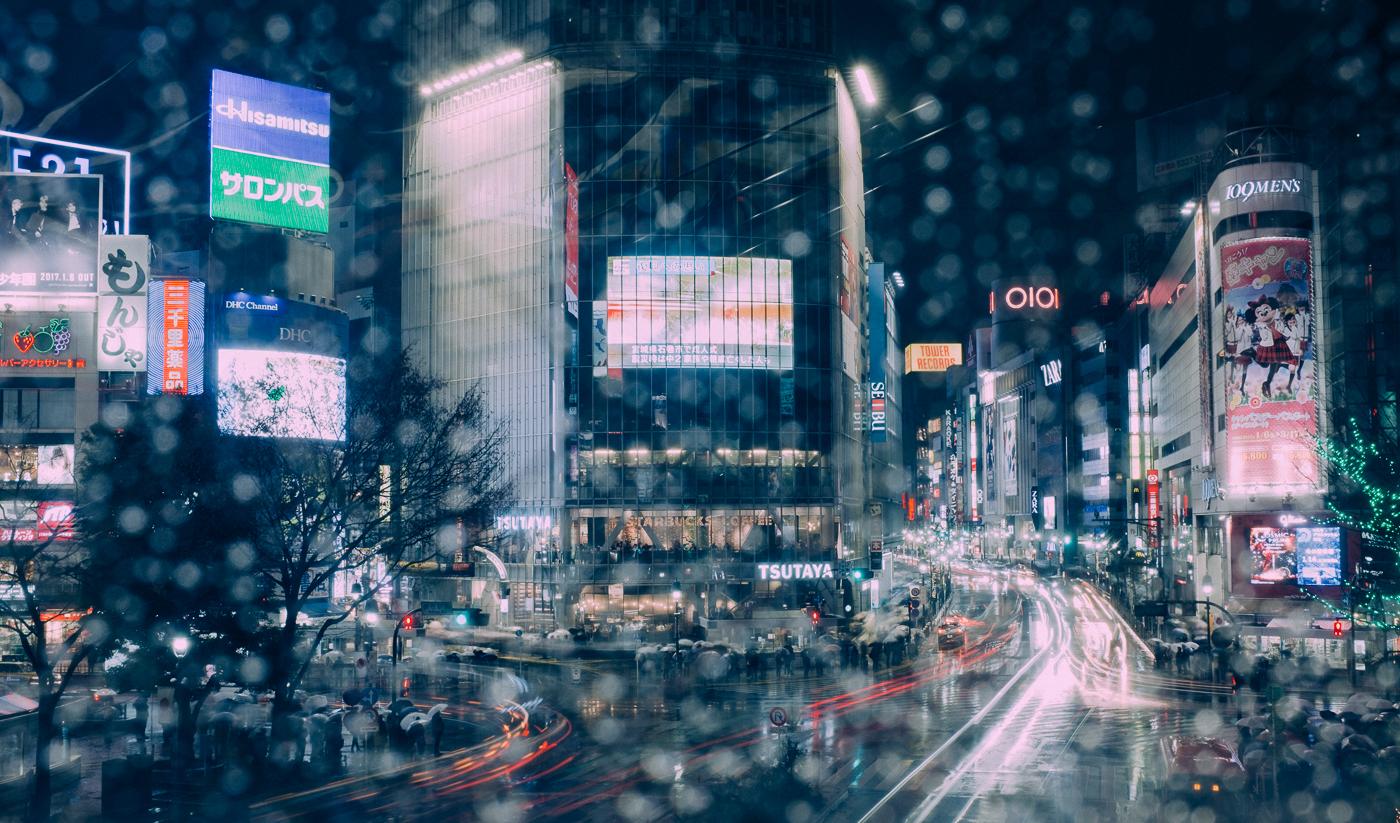 En plein coeur de Tokyo, le carrfour de shibuya, le plus fréquenté du monde